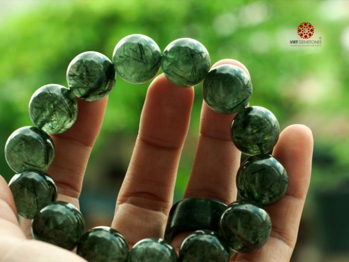 Tìm hiểu về tác dụng của đá thạch anh tóc xanh